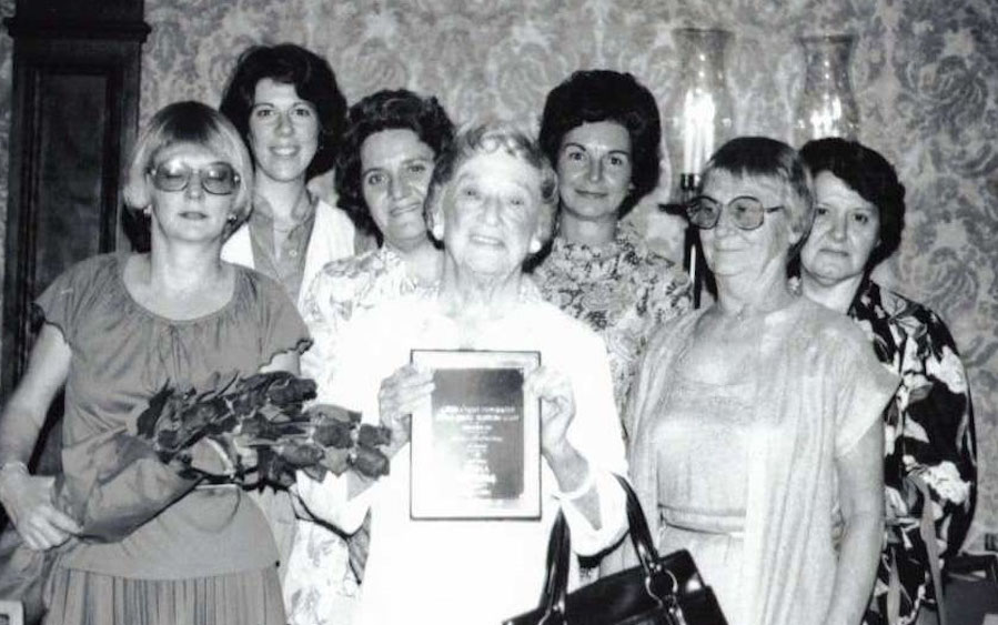 The family gathered to support Edna Purtell when she won an award commemorating her life of public service on behalf of women. Source: Purtell family.